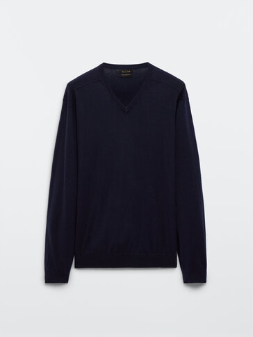 V-neck sweater in cotton, silk and cashmere
