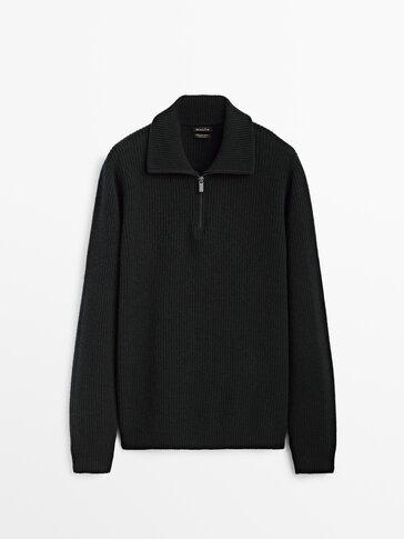 Трикотажен пуловер от вълна и кашмир с висока яка
