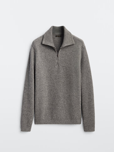 Knit wool cashmere sweater with mock neck