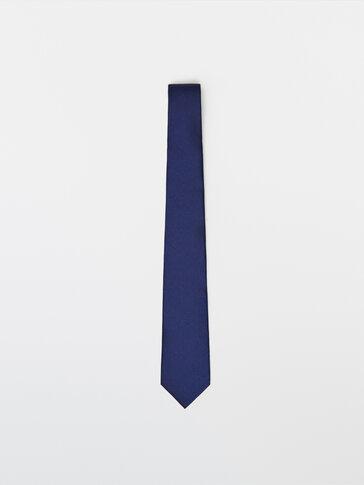 עניבה ממשי עם טקסטורה