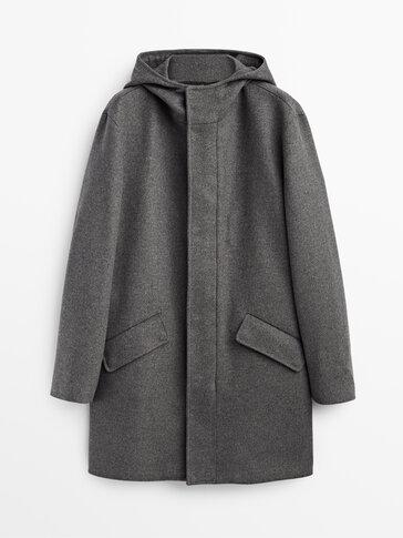 Abrigo largo de lana con capucha