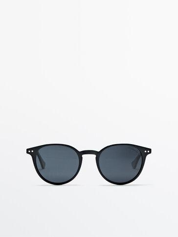 Tortoiseshell resin sunglasses