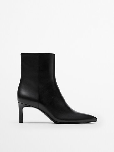 BLACK LEATHER MID-HEEL ANKLE BOOTS