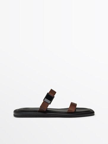 Sandales à brides et boucle marron
