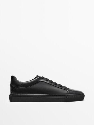 נעלי סניקרס מעור נאפה בצבע שחור