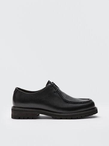 Schwarze Schuhe aus Nappaleder