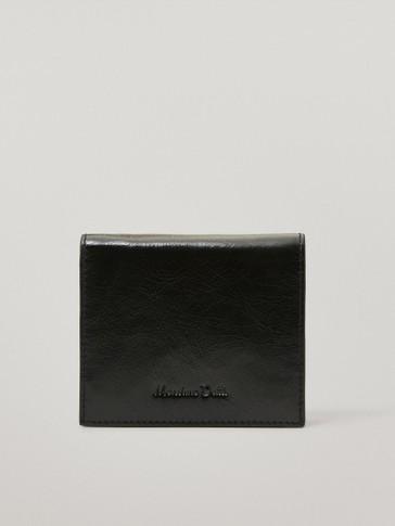 Leather wallet with zip