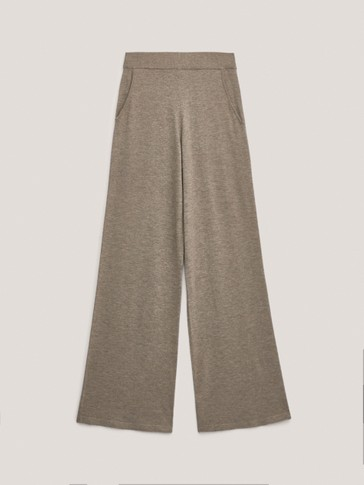 Total look relaxed knit trousers
