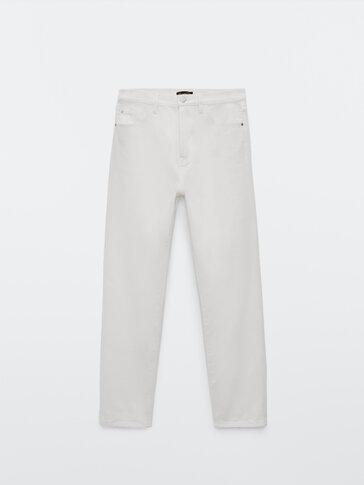 Džínsy rovného strihu svysokým pásom