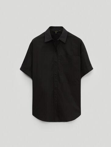 חולצת פופלין עם שרוולים קצרים בצבע שחור