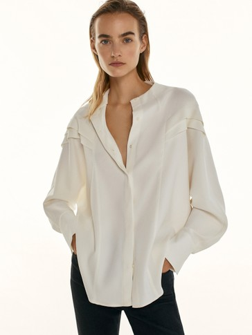 Crepe shirt with ruffled sleeves