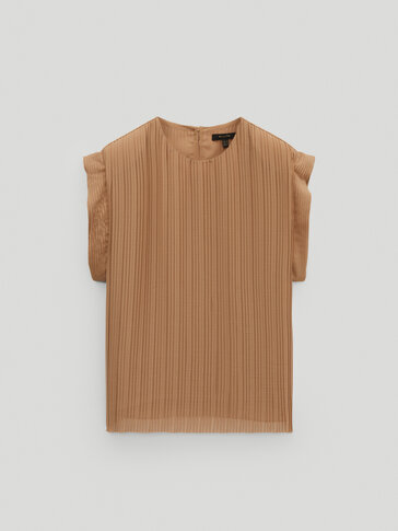 Pleated top with shoulder pads