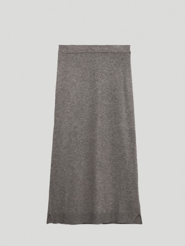 Total look knit skirt