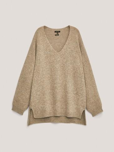 Predimenzionirani pulover s V-izrezom