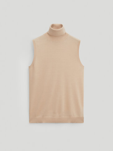 Sleeveless silk and wool sweater