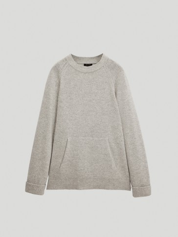 Oversize sweater with pocket