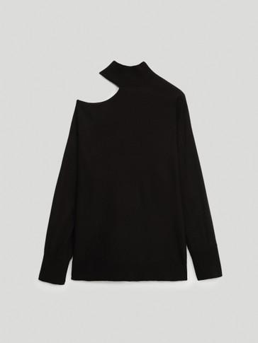 Pull en laine à épaules asymétriques