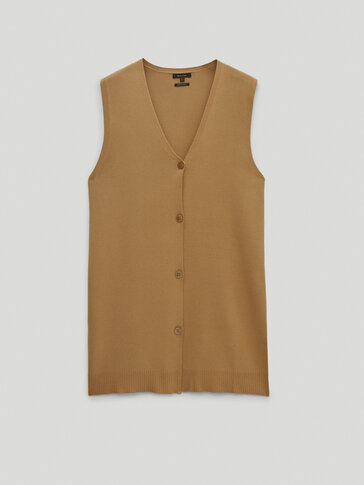 Long knit vest with buttons