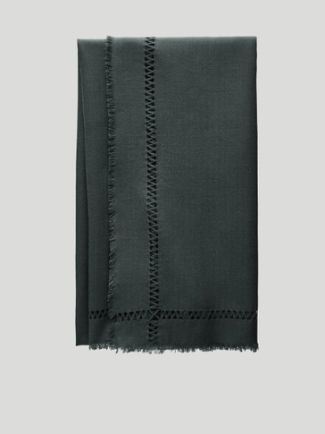 100% wool scarf with lace trim