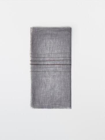 Striped 100% wool scarf