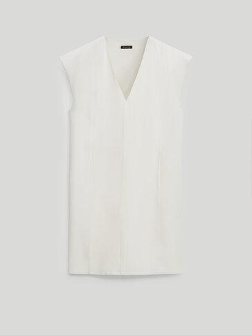 V-neck linen dress