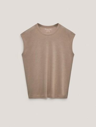 Ermeløs t-skjorte i 100 % lyocell