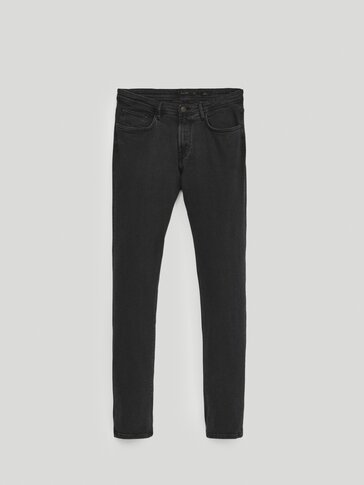 Pantalón vaquero negro slim fit