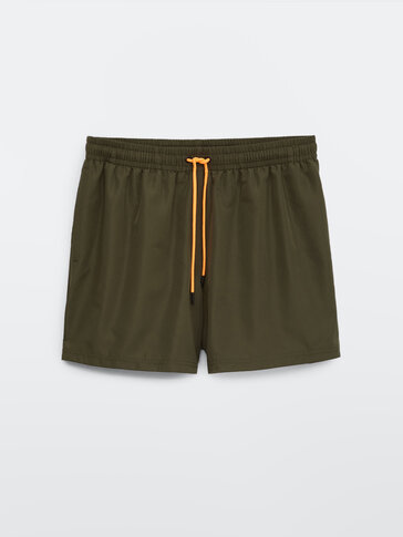 Plain swimming trunks with pockets