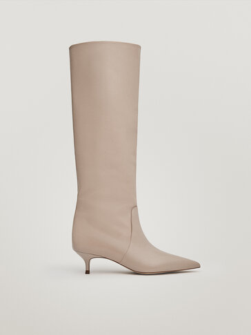 Tan mid-heel leather boots
