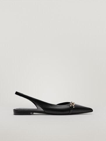 Кожаные туфли на плоской подошве с пряжкой