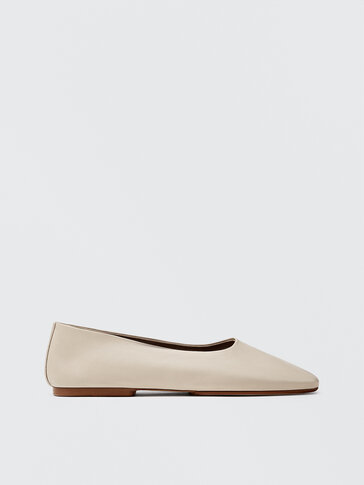 CREAM-COLOURED SOFT LEATHER BALLET FLATS