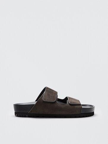 Platte splitsuède leren sandalen met brede bandjes