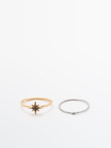 Pack of star and rhinestone rings