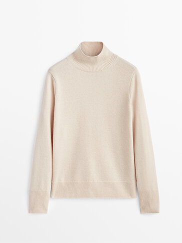 Cashmere sweater with open back