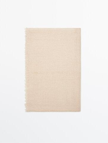 Metallic thread wool scarf